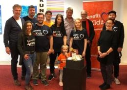 """Benefiz 4 Kidz und die Künstlergruppe """"Kunst im Stern"""" sowie Centermanager Olaf Magnusson (Marler Stern)"""